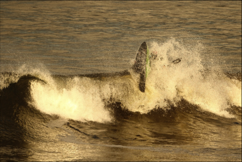 Perfect waves in the winter sun